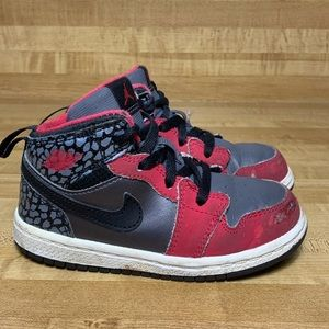 Infants Size 8c Black/Pink AIR JORDAN 1 MID